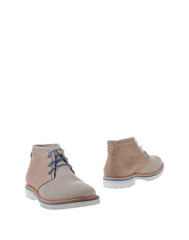 Полусапоги и высокие ботинки от NOBRAND