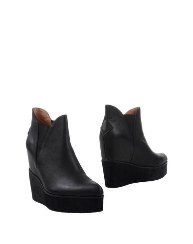 Ботинки от JEFFREY CAMPBELL