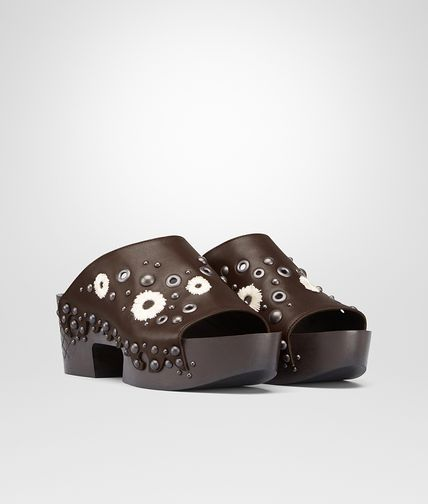 CLOG IN EDOARDO CALF WITH EMBROIDERED DETAILS