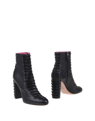 oscar-tiye-ankle-boots-female