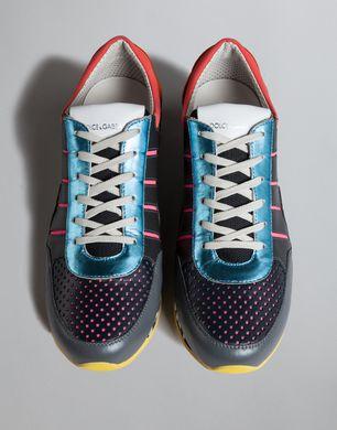 运动鞋夹脚处理图片步骤