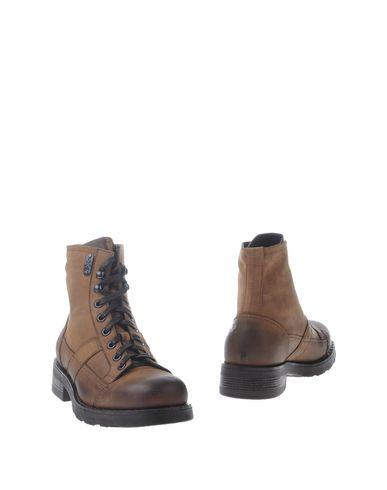 Полусапоги и высокие ботинки от O.X.S.