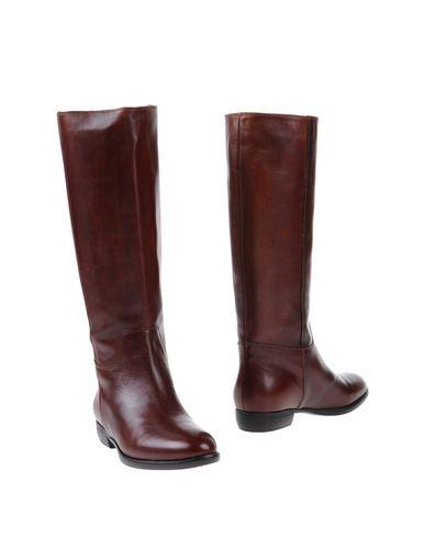 paola-ferri-boots-female