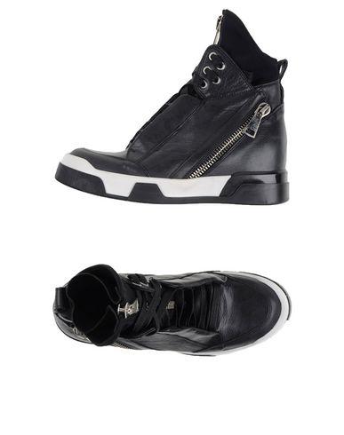 Foto ELENA IACHI Sneakers & Tennis shoes alte donna