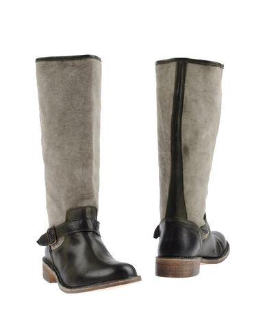 le-crown-boots-female