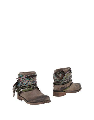 BRYAN BLAKE Полусапоги и высокие ботинки