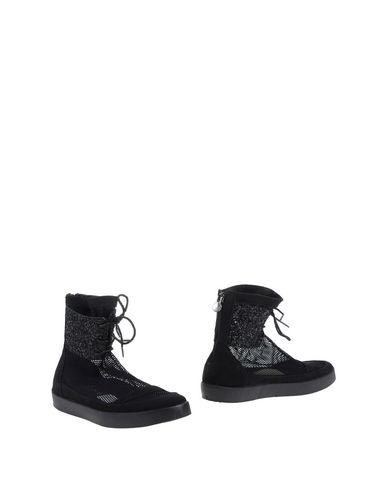 luxury-fashion-ankle-boots-female