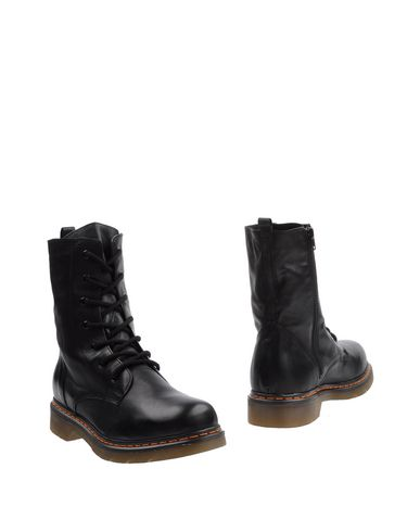 redstone-ankle-boots-female