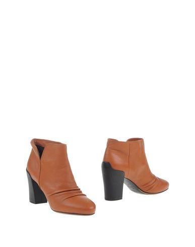 stephen-venezia-ankle-boots-female