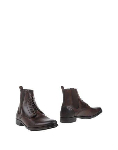 FLY LONDON Полусапоги и высокие ботинки