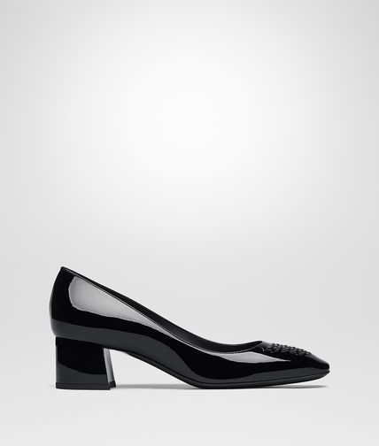PUMPS IN NERO PATENT CALF INTRECCIATO