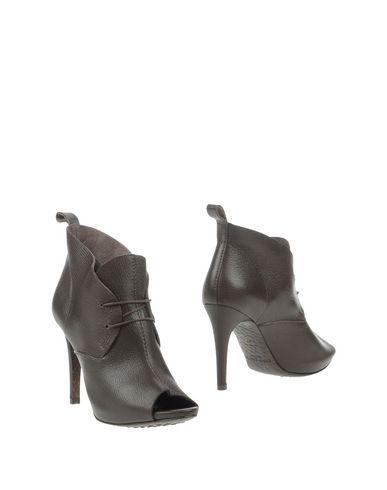 PEDRO GARCÍA Полусапоги и высокие ботинки