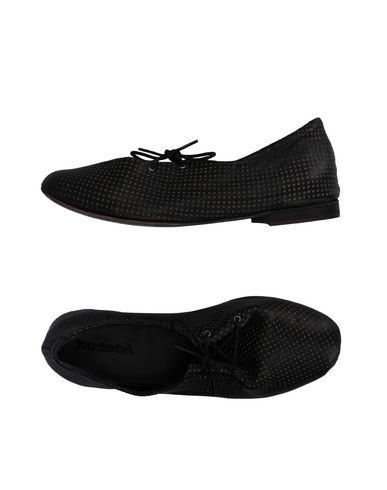 KUDETÀ Низкие кеды и кроссовки
