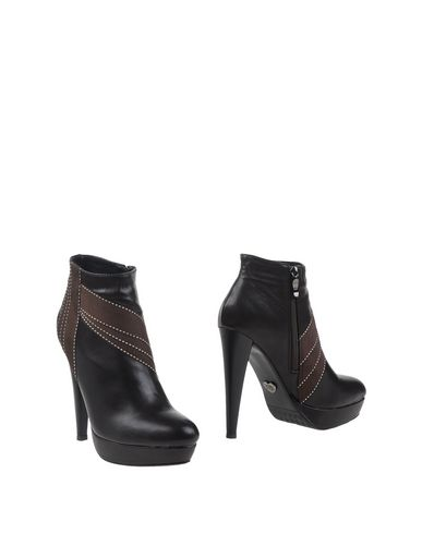 roberta-farc-ankle-boots-female