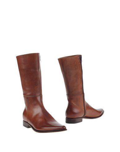 libero-boots-female