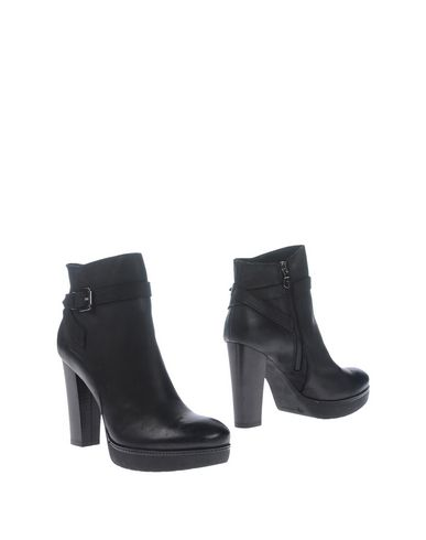 accademia-ankle-boots-female