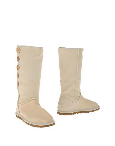 ugg-australia-boots-female