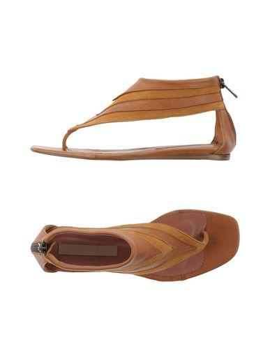 blueprint-thong-sandal-female
