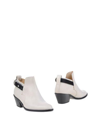 rag-bone-shoe-boots-female