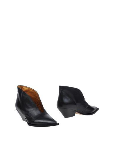 ras-shoe-boots-female