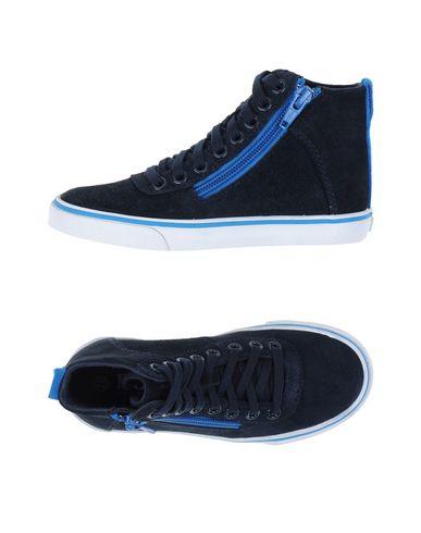 Высокие кеды и кроссовки BOSS 11096505AJ
