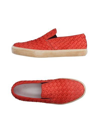 Низкие кеды и кроссовки PANTOFOLA D'ORO 11099819QU