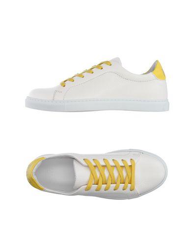 Низкие кеды и кроссовки PANTOFOLA D'ORO 11099836VG