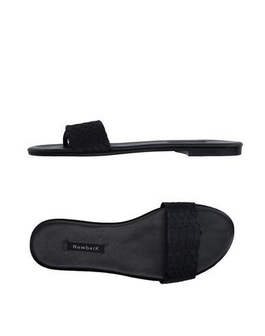 newbark-thong-sandal-female