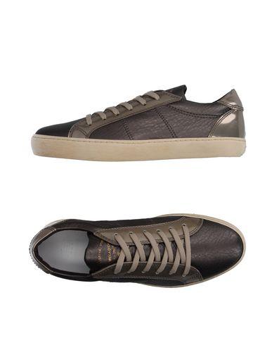 Низкие кеды и кроссовки PANTOFOLA D'ORO 11103304XD
