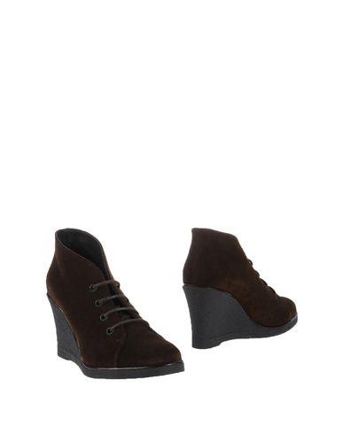 Полусапоги и высокие ботинки от WEEKEND MAX MARA