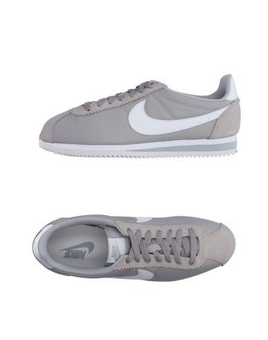 Низкие кеды и кроссовки NIKE 11116099QI