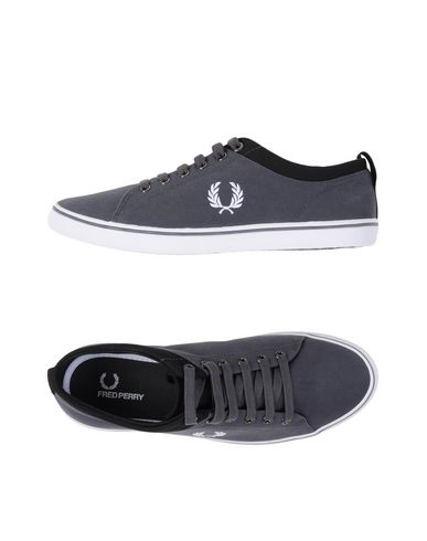 ������ ���� � ��������� FRED PERRY 11122746TL