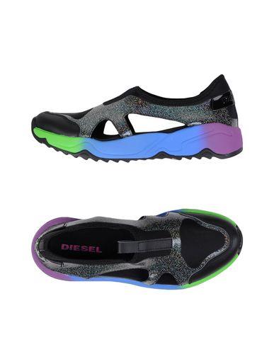 Низкие кеды и кроссовки DIESEL 11124988EW