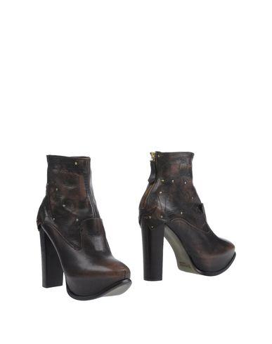 Полусапоги и высокие ботинки от RAPARO