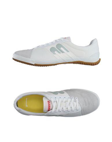 Низкие кеды и кроссовки PIRELLI PZERO 11130970KV