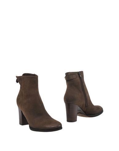 alto-gradimento-ankle-boots-female