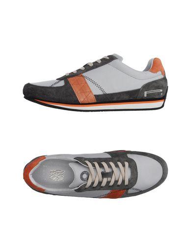 Низкие кеды и кроссовки PIRELLI PZERO 11131038JC