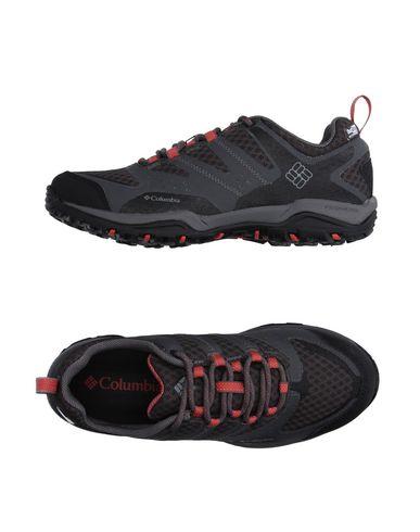 Низкие кеды и кроссовки COLUMBIA 11132116RI