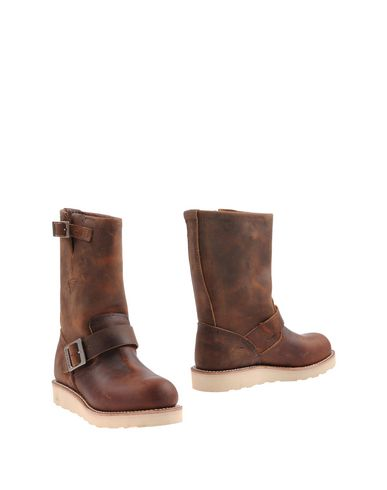 red-wing-shoes-ankle-boots-female