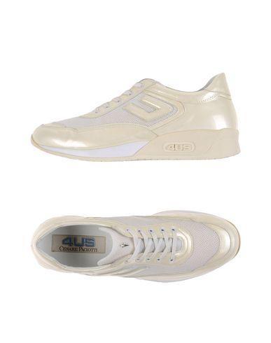Низкие кеды и кроссовки CESARE PACIOTTI 4US 11142064CX