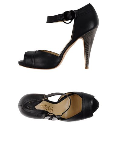 maurice-abot-sandals-female