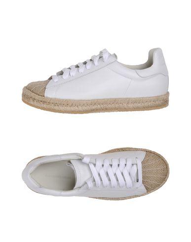Низкие кеды и кроссовки ALEXANDER WANG 11143146XI