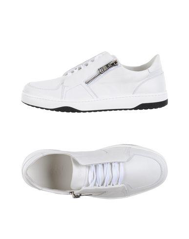 Низкие кеды и кроссовки GUCCI 11156308NJ