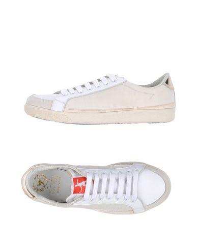 Низкие кеды и кроссовки PANTOFOLA D'ORO 11157656MM