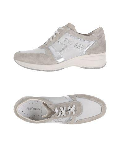 Низкие кеды и кроссовки NERO GIARDINI 11157734TU
