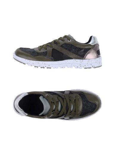 Низкие кеды и кроссовки DOLCE & GABBANA 11160015OG