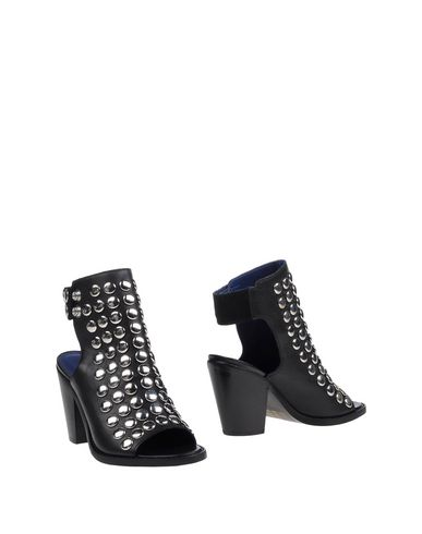 diesel-ankle-boots-female