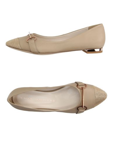 luis-onofre-ballet-flats-female