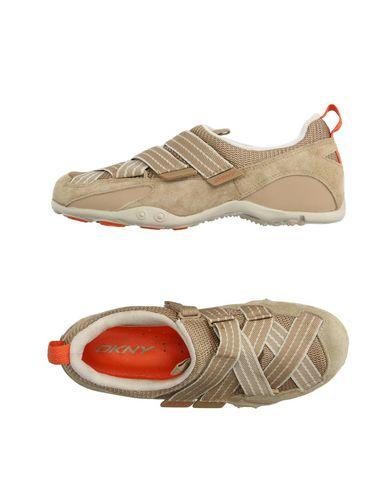 Низкие кеды и кроссовки DKNY 11170820TU