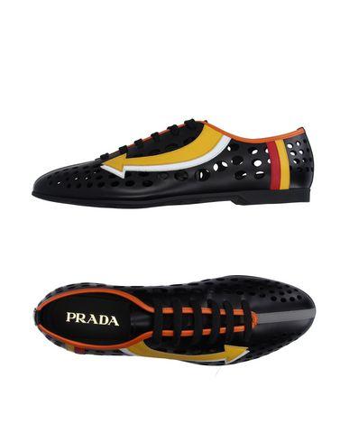 Низкие кеды и кроссовки PRADA 11183892IH